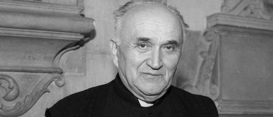Odszedł do Pana ksiądz infułat Janusz Bielański